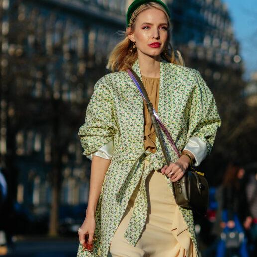 Street Style: Τα καλύτερα looks από το Παρίσι μονοπωλούν το ενδιαφέρον μας