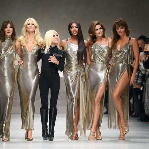 Vogue Αναδρομή: Τα μεγαλειώδη φινάλε που έγραψαν ιστορία στις πασαρέλες