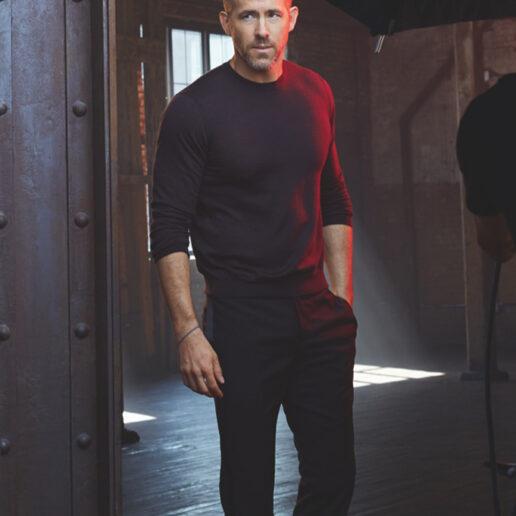 Ryan Reynolds: «Είναι αισθησιακό να αγκαλιάζεις την ηλικία σου»