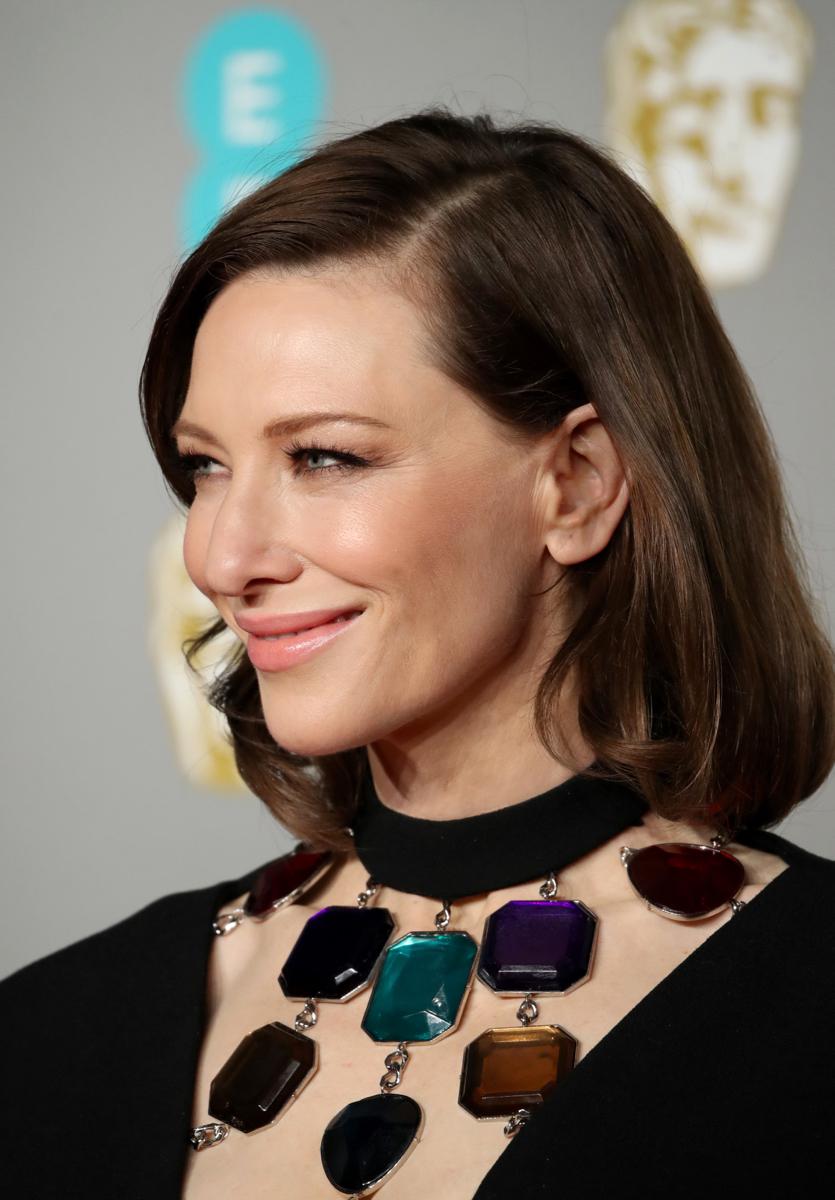 BAFTA 2019: 3 celebrities που ξεχώρισαν με τα looks τους