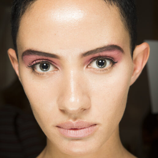 Think Pink: Οι νέες συλλογές μακιγιάζ έχουν μια άκρως θηλυκή διάθεση