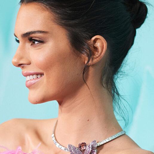 Ring-A-Ling: Η Kendall Jenner διάλεξε το δαχτυλίδι των αρραβώνων της