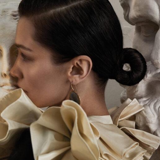 Ματιές στο πρώτο cover editorial της Vogue Greece