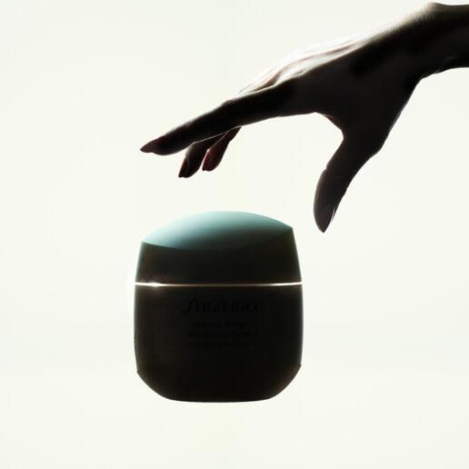 Όποια και αν είναι η «ερώτηση» της επιδερμίδας, η απάντηση είναι Shiseido