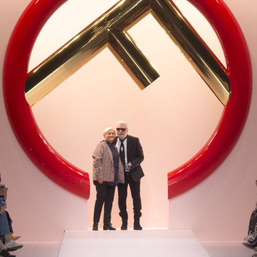 Fendi: Επίδειξη-φόρος τιμής στον Καρλ στη Ρώμη