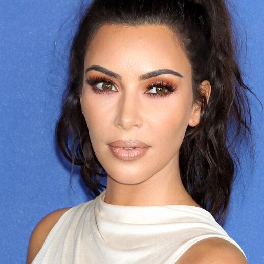 Ουδέτερη έμπνευση: Η Kim Kardashian υιοθετεί το nude makeup