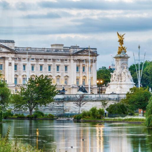 Μέσα στo πιο σημαντικό δωμάτιο του Buckingham Palace