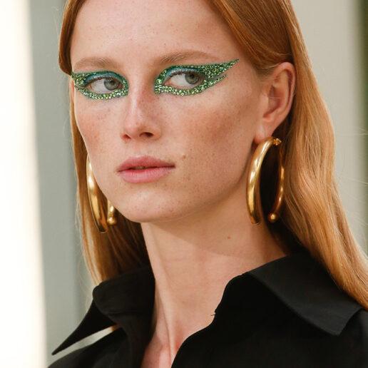 Sparkling eyes: Κρύσταλλα και glitter συνθέτουν τη νέα τάση στο μακιγιάζ