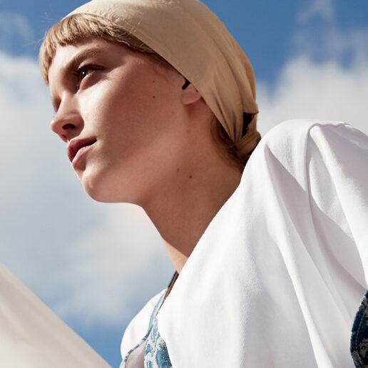 June Issue: Τα νέα εξώφυλλα της Vogue Greece φέρνουν αέρα καλοκαιριού