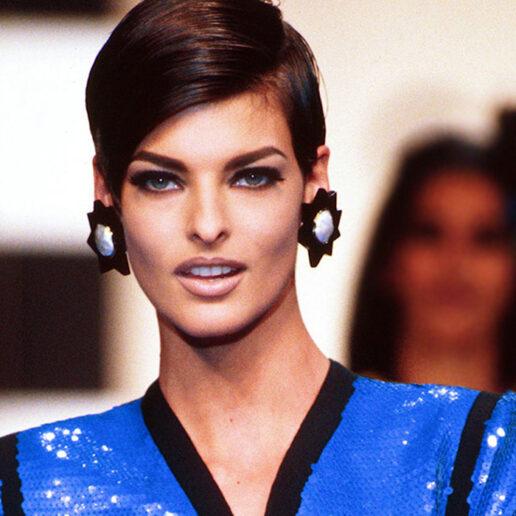Linda Evangelista: Οι καλύτερες αρχειακές φωτογραφίες του supermodel των 90s