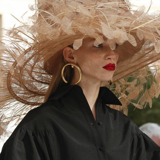 Leave your hat on: Τα καπέλα που θα φορεθούν το φετινό καλοκαίρι
