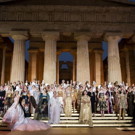 #SuzyCouture: Inspiration From Ancient Greece In Sicily