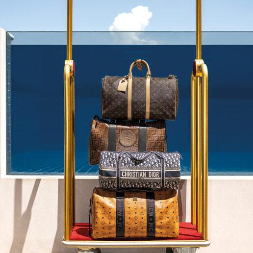 Travel in Style: Σακ βουαγιάζ και βαλίτσες για κομψές αποδράσεις