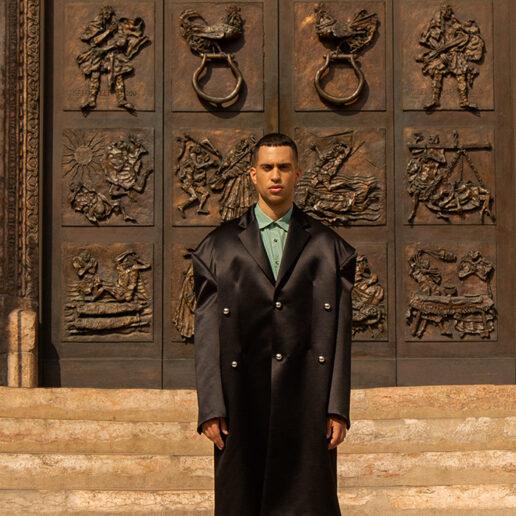 O Mahmood μιλάει αποκλειστικά στη Vogue Greece