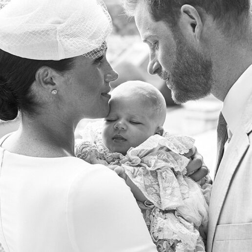 Meghan και Harry: Οι φωτογραφίες από τη βάπτιση του νεότερου μέλους της βασιλικής οικογένειας