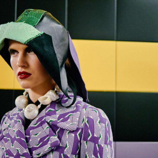 Prada SS20: Ο φακός της Vogue στα παρασκήνια του σόου
