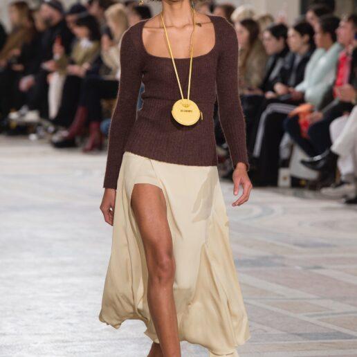 Necklace Bag: Η νέα τάση που ανέδειξε το Instagram