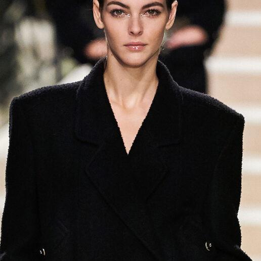 Chanel Métiers d'Art: Τα beauty looks που μας ενέπνευσαν