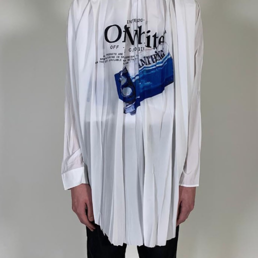 Off-White: Ο Virgil Abloh αποκαλύπτει το πρώτο κομμάτι από την επόμενη συλλογή του στο Instagram