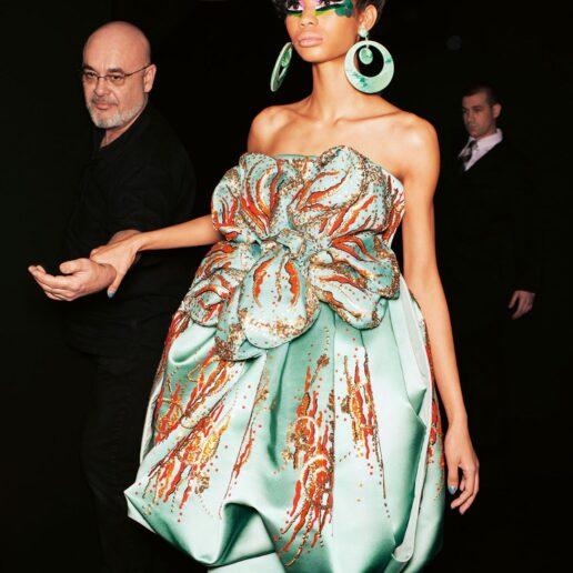 5 τρόποι που ο Dior του John Galliano επηρεάζει την Generation Z