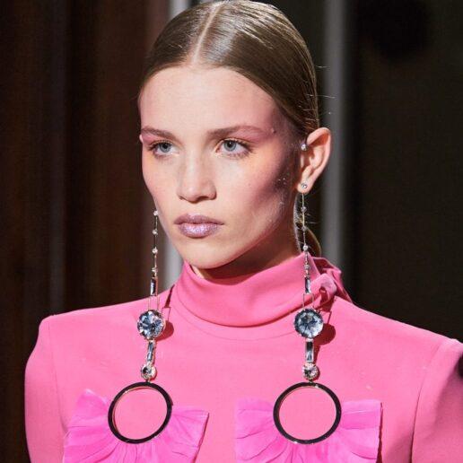 Τα beauty looks που ξεχώρισαν στο couture show του Valentino SS20