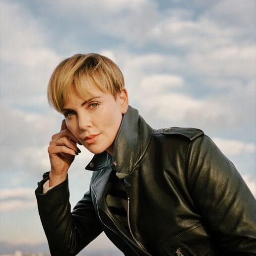 """Η Charlize Theron μιλάει για το """"Bombshell"""", το κίνημα #MeToo και τις αλλαγές στο Χόλιγουντ"""