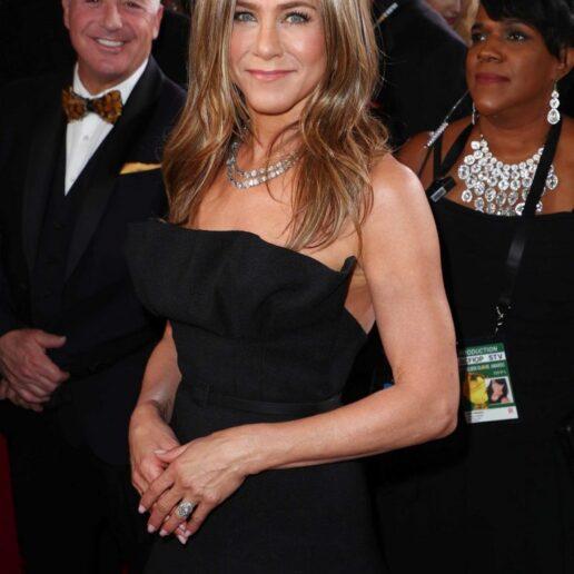 Jennifer Aniston: Το μυστικό για καλογυμνασμένα χέρια
