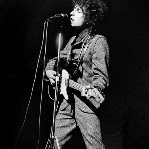 O Timothée Chalamet θα υποδυθεί τον Bob Dylan