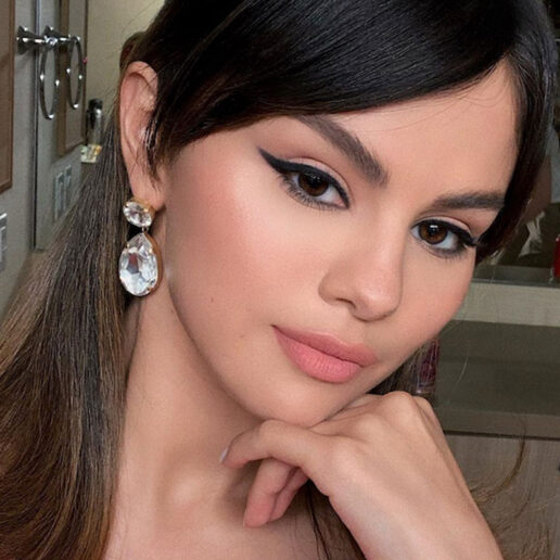 Selena Gomez: Ένα look εμπνευσμένο από τα 60s