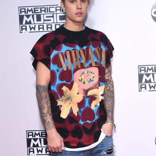 Ο Justin Bieber αποκαλύπτει ότι πάσχει από τη νόσο Lyme