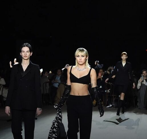 Marc Jacobs AW20: Η Miley Cyrus στην πασαρέλα