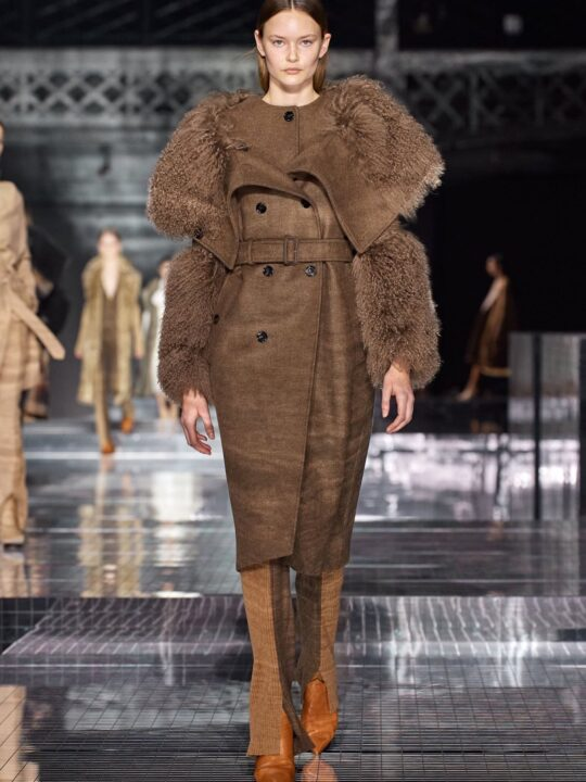 Autumn/Winter 2020 Ready-To-Wear/ Βurberry