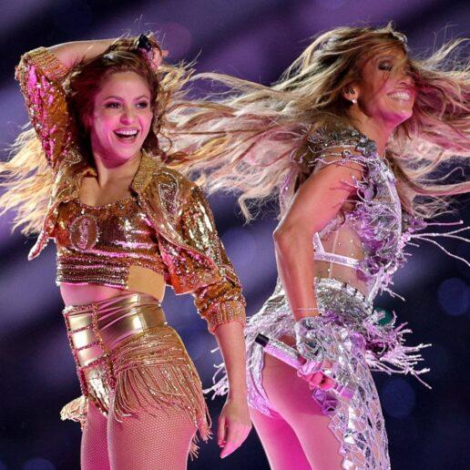Shakira και Jlo σε ένα από τα εμβληματικότερα σόου στην ιστορία του Super Bowl