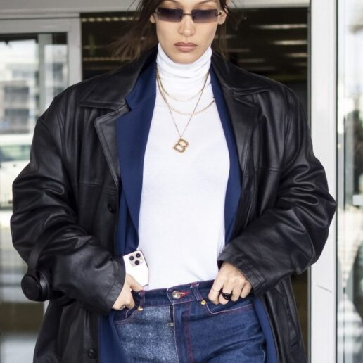Airport look: H Βella Hadid με vintage Vivienne Westwood