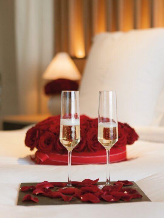 All you need is love: Γιορτάστε την αγάπη στο Four Seasons Astir Palace Athens