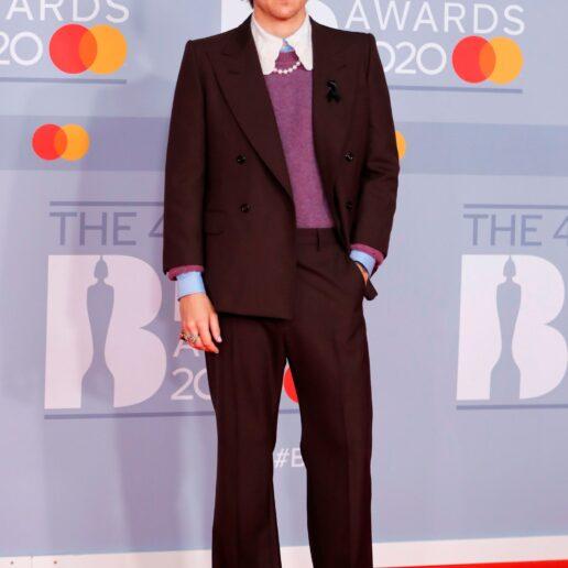 Menswear: Ο Harry Styles τολμάει τα Mary Janes