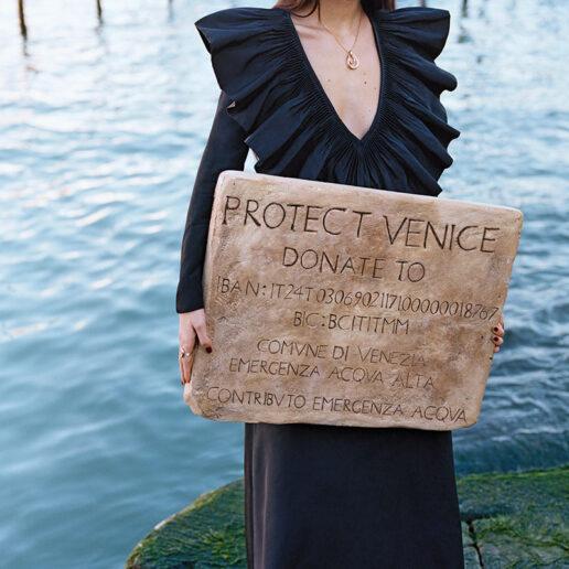 Η Vogue Italia στηρίζει την πόλη της Βενετίας