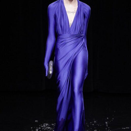 Ο Balenciaga παρουσιάζει το νέο all-inclusive φόρεμα