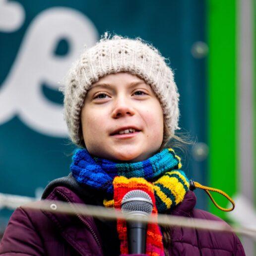 Η Greta Thunberg μένει σπίτι και μιλά για τον κορωνοϊό