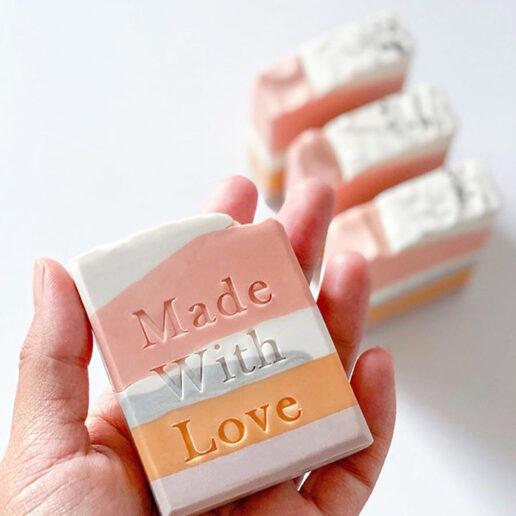 Solid Soap: Το νέο must-have item των ειδικών ομορφιάς