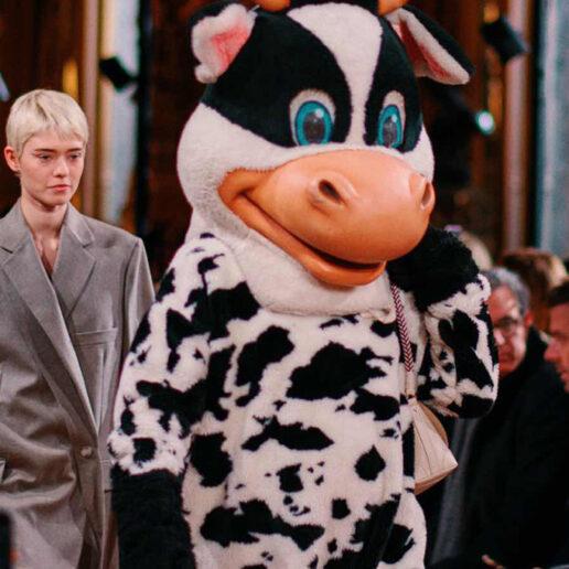 Animal Costumes: Tο οικολογικό μήνυμα στο ντεφιλέ της Stella McCartney