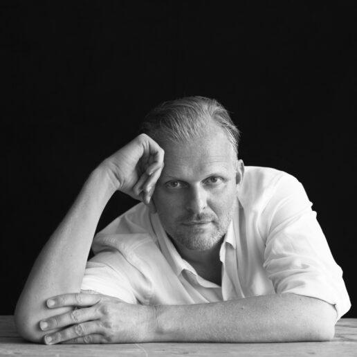 O Thomas Ostermeier ελπίζει να μπορέσει να έρθει στην Ελλάδα