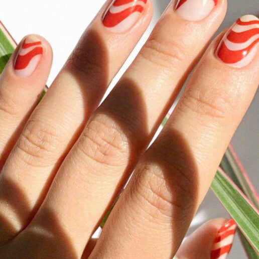 Negative Space Nails: Το ιδανικό μανικιούρ όσο #μένουμε σπίτι
