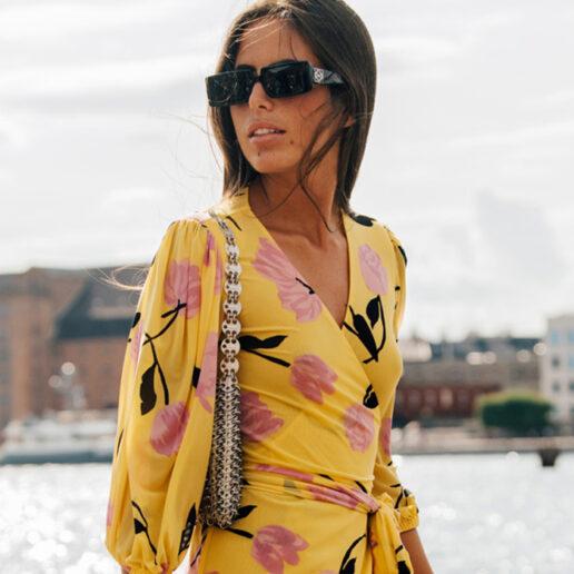 Spring Essential: Εντυπωσιακά κρουαζέ φορέματα για τώρα
