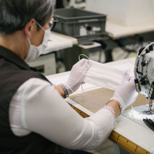 O οίκος Louis Vuitton ανοίγει τα εργαστήριά του για την παραγωγή μασκών