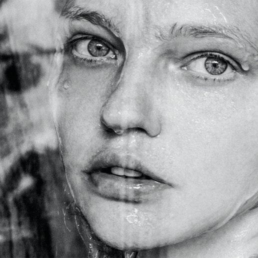 Love will keep us safe: Το νέο τεύχος της Vogue Greece είναι εδώ