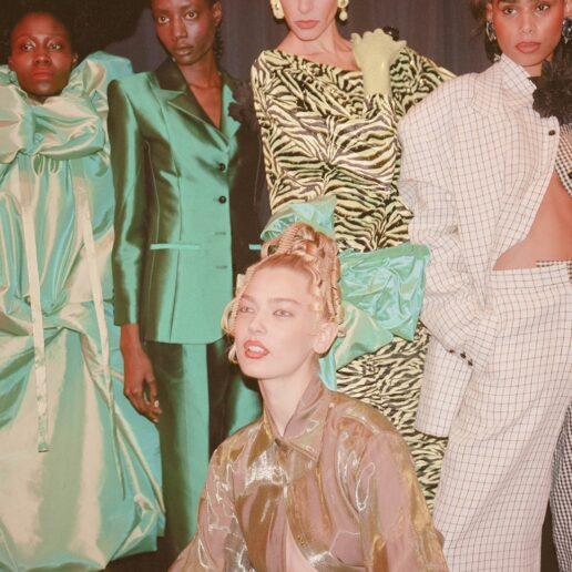 Γνωρίστε τους 4 σχεδιαστές που βρίσκονται πίσω από τα νέα Vogue T-shirts