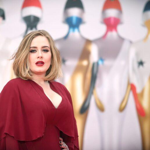 Γιατί τα κιλά της Adele δεν θα έπρεπε να μας αφορούν