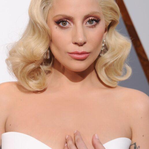 Lady Gaga: «Με κακοποιούσαν σεξουαλικά όταν ήμουν 19 χρονών»