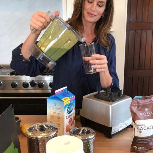 Η αγαπημένη συνταγή της Cindy Crawford για πρωινό smoothie